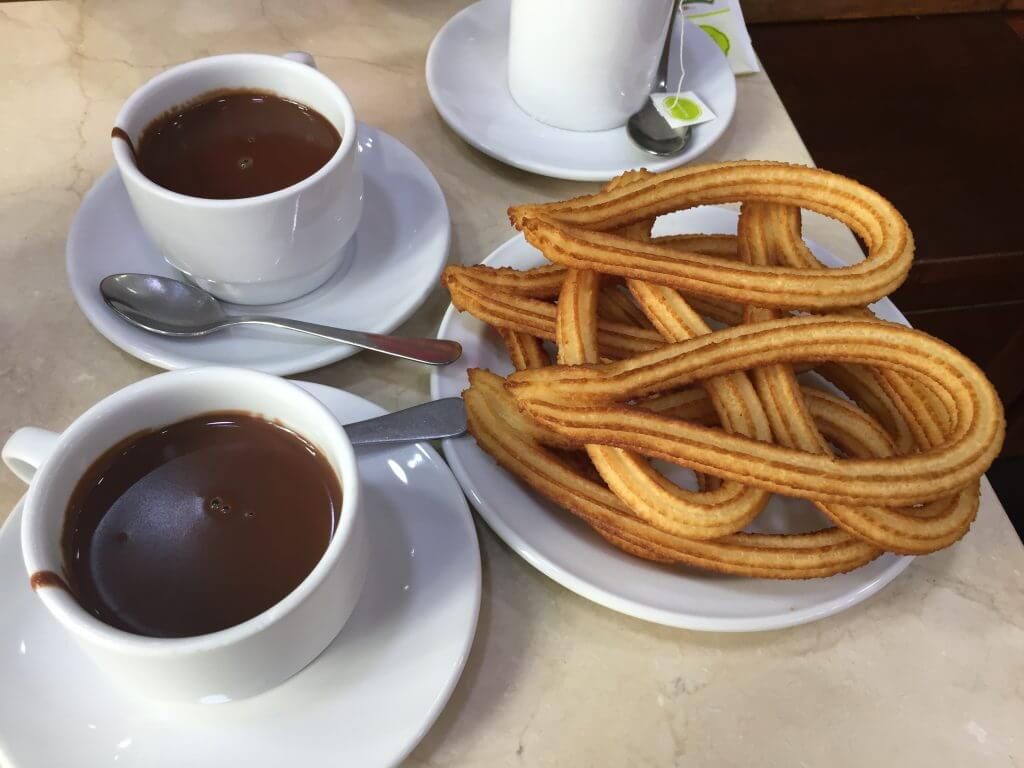 Must-Eat Foods in Spain Churros con Chocolate