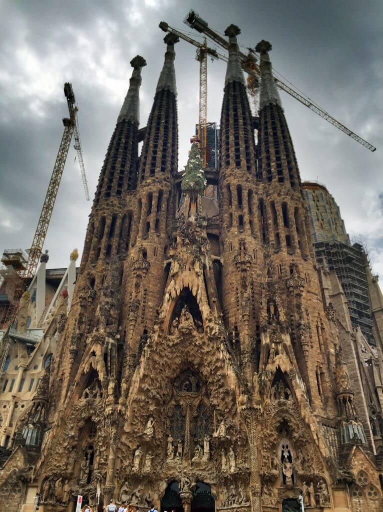 La Sagrada Familia Old Side