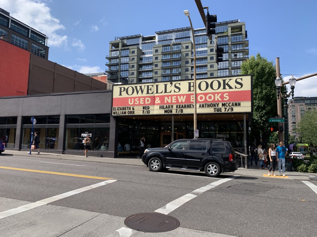 Powell's Books Portland, the largest independent bookstore in the world